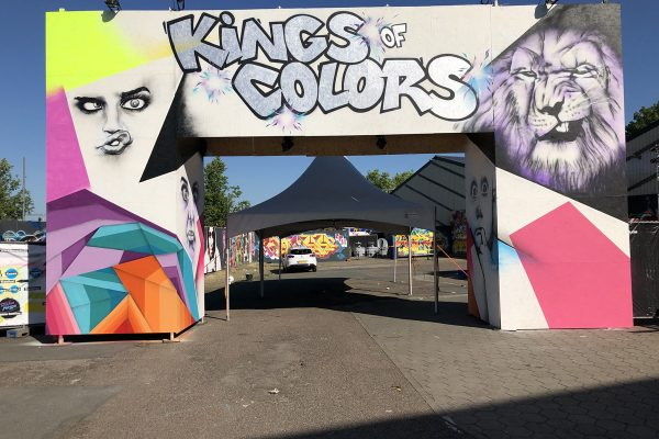 Kings of Colors Festival 2019 - Entrance (1) - Caz & Nathan Brown